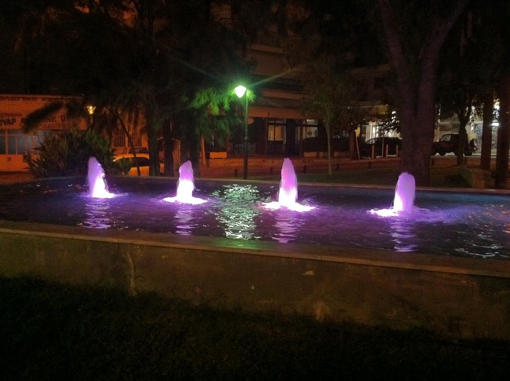 Συντριβάνι στο πάρκο Καραολή & Δημητρίου