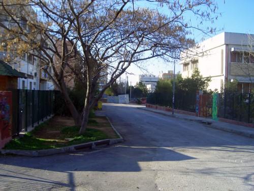 Εσωτερικός δρόμος σχολικού συγκροτήματος Ταταούλων
